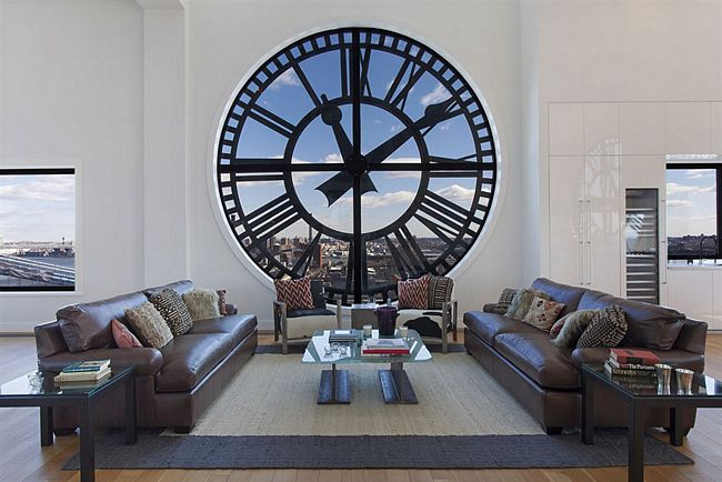 Janela formato relógio antigo