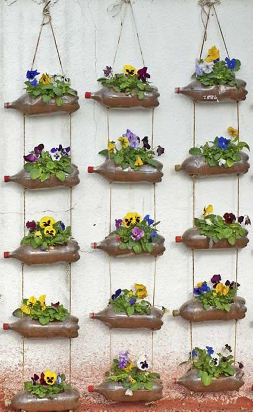Jardim vertical garrafa PET flores