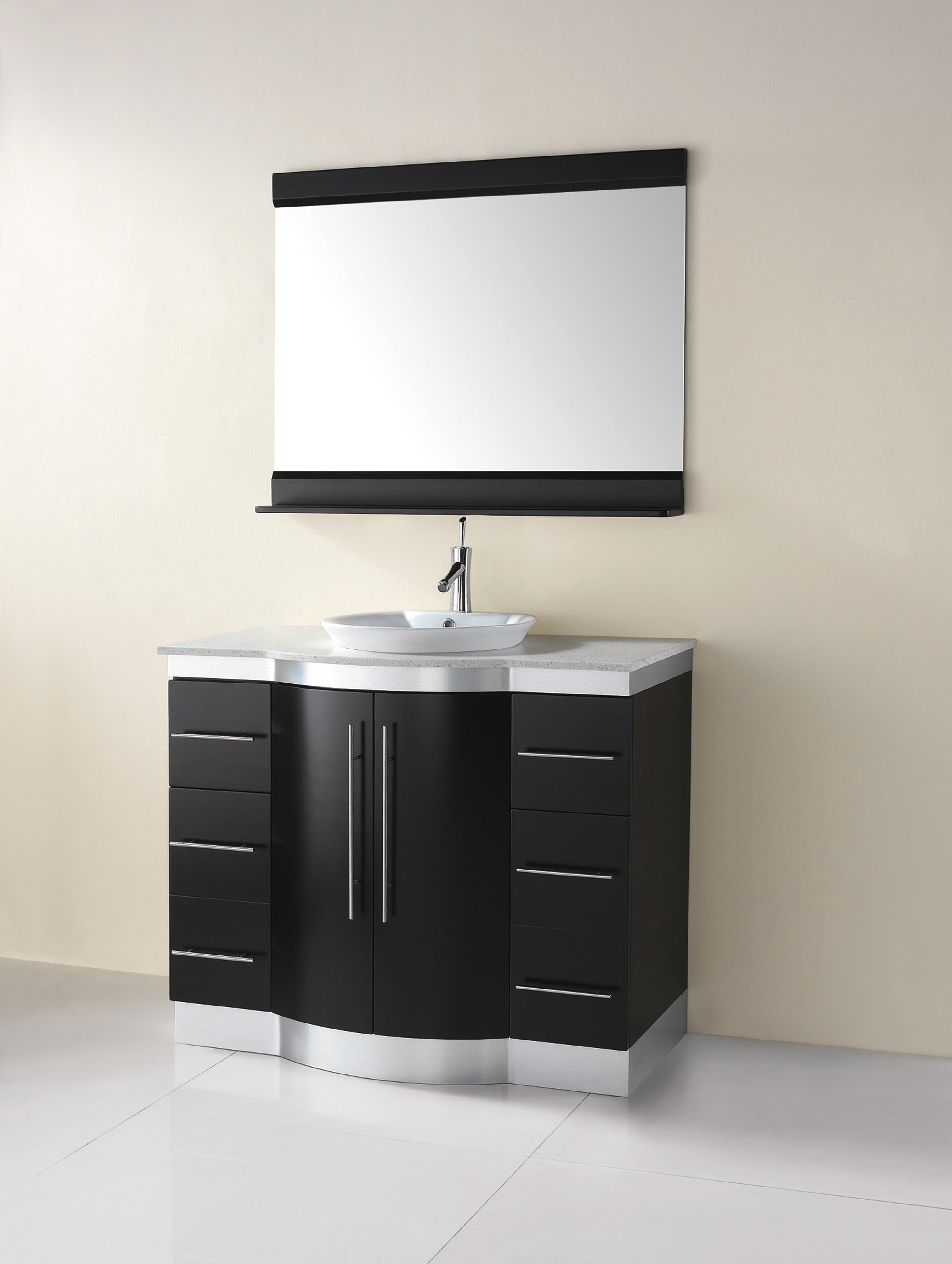 armario de banheiro em preto e branco