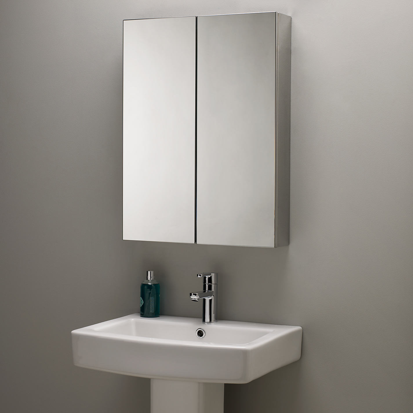 armario de banheiro simples