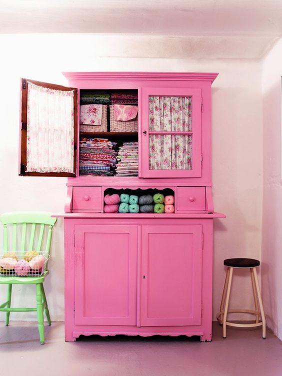armarios decorativos rosa
