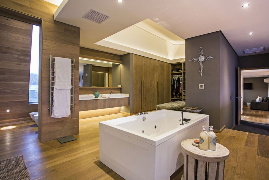 banheiro moderno grande