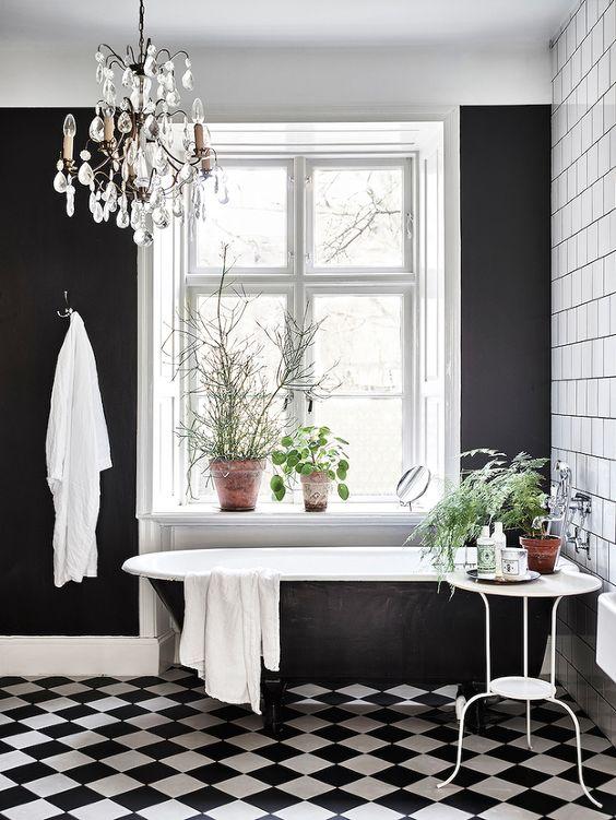 banheiros pretos brancos decorados 2