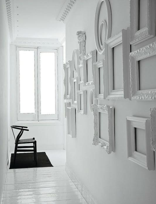 decoracao corredor molduras