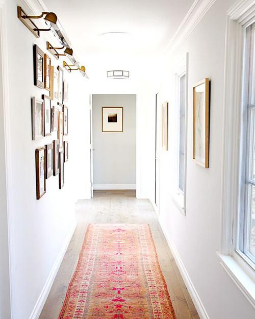 decoracao corredor quadros