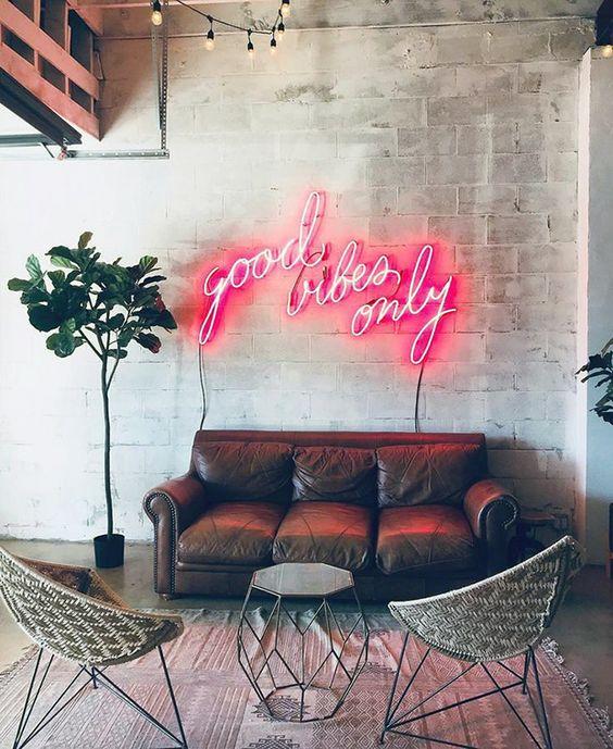 decoracao letreiro sofa