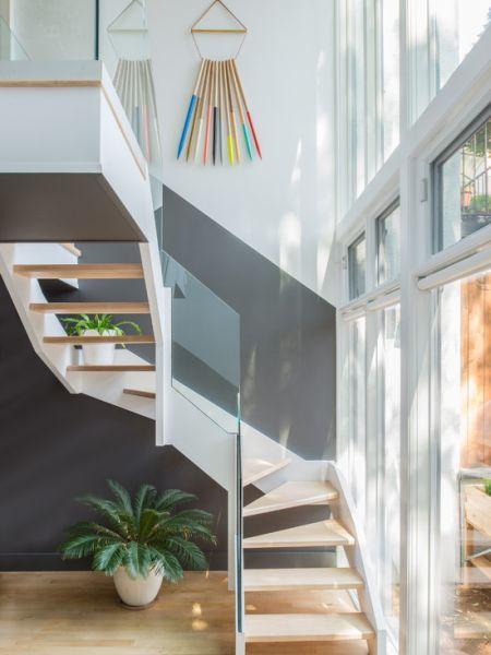 decoracao parede escadas plantas