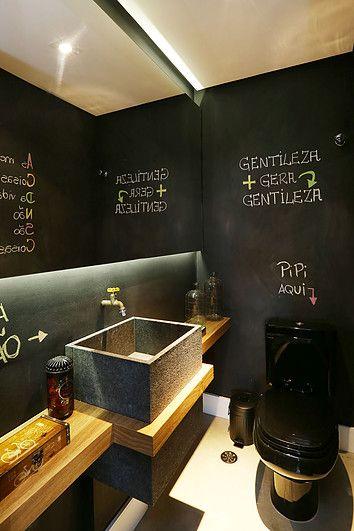 decoracao parede preta banheiro