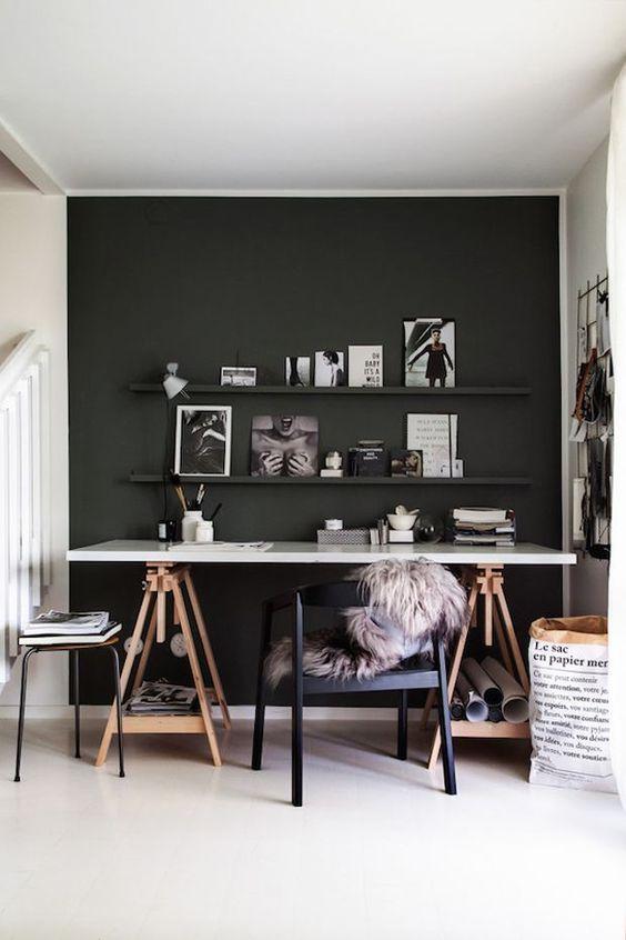 decoracao parede preta escritorio
