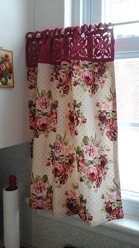 modelos cortinas croche banheiro