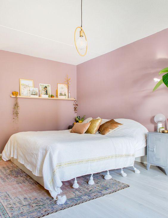quarto rosa adulto dourado