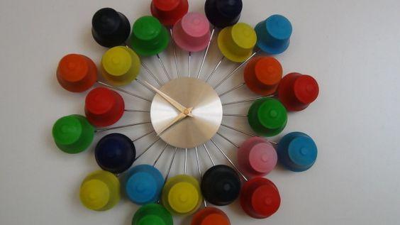 relogio material reciclado capsulas cafe